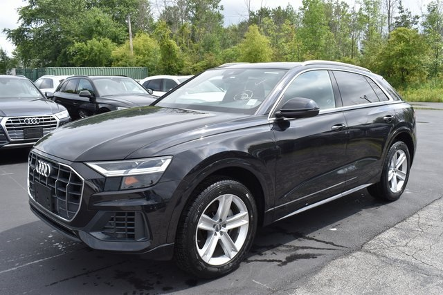 New 2019 Audi Q8 With Navigation